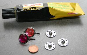 benodigdheden knopen, lijm, drukknopen splitpennen Xenos, 1 eurocent