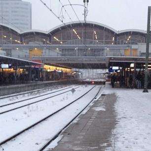 Utrecht CS met sneeuw