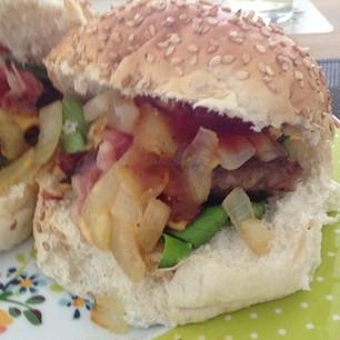 Broodje hamburger zelfmaken