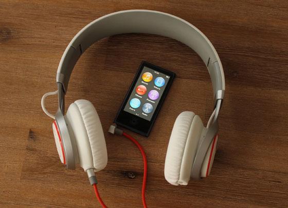 Jabra Revo met iPod Nano