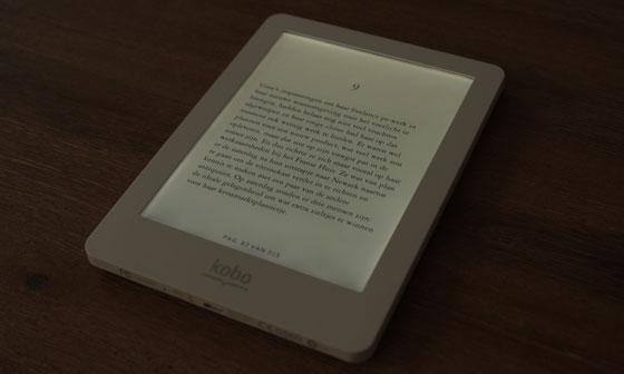 kobo glo e-reader in de 'Glo stand'