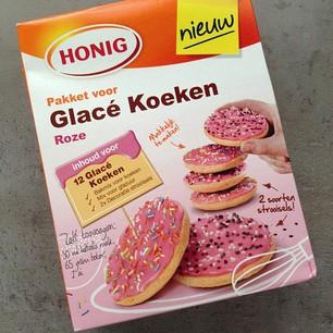 roze koeken van honig