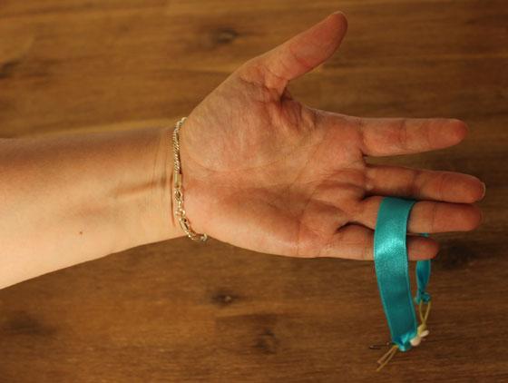 Makkelijk zelf je armbandje om doen