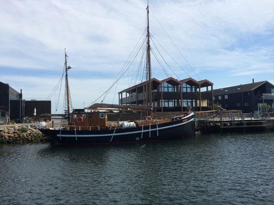 bootje in de haven