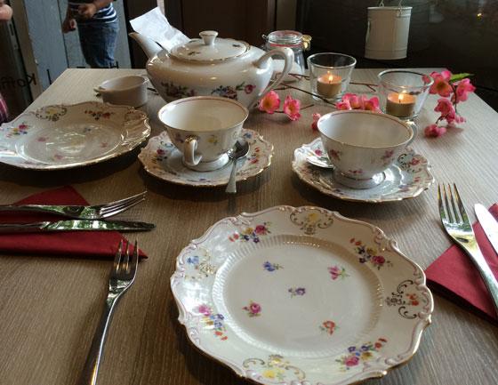 gedekte tafel Torte Felice Grande High Tea