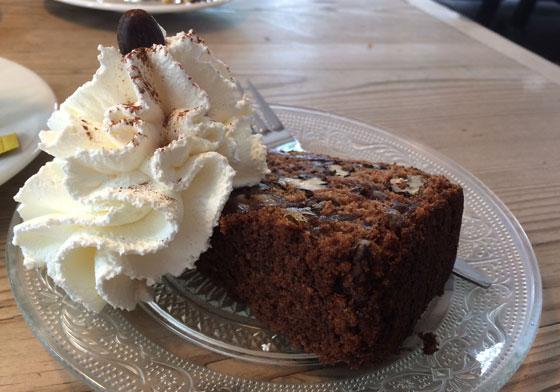 De Dikke noten dadel cake