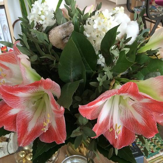 bos bloemen met amaryllissen