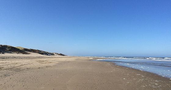 Strandwandeling De Koog & Vuurtoren De Cocksdorp rustig strand