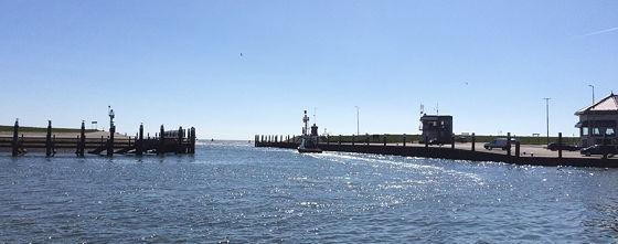 Den Burg, Oudeschild en Strandwandeling De Koog bootje vaart weg