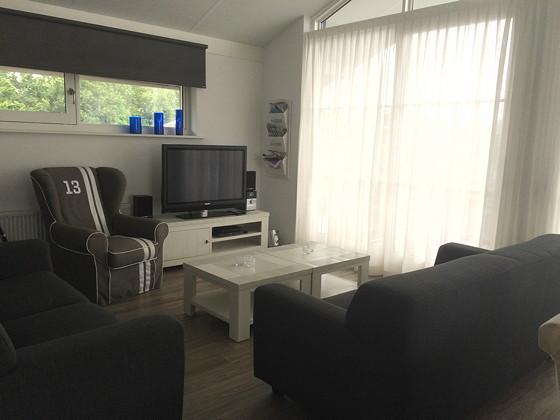 Ploggen 13 Juli 2015: Op vakantie naar Terherne woonkamer huisje 413