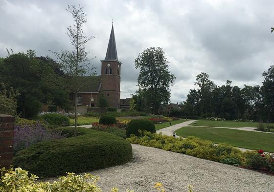 Ploggen 14 Juli 2015: Terherne en Akkrum kerk en park