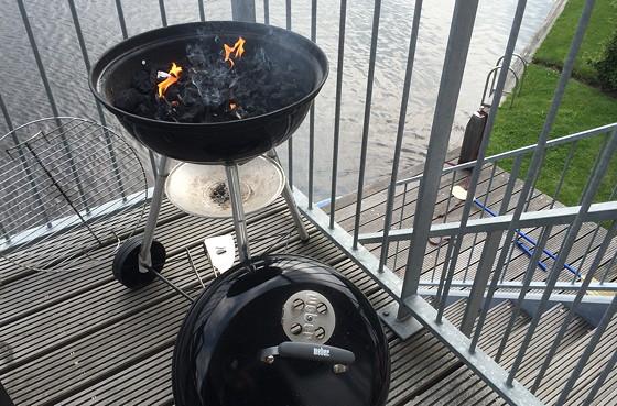 Ploggen 16 Juli 2015: Zonnig Dagje in Terherne barbecue staat aan