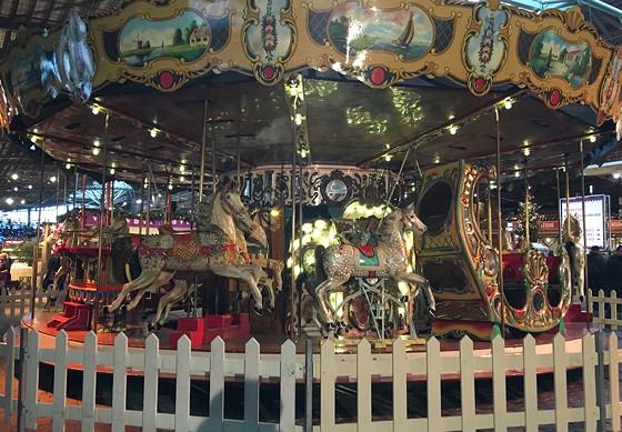 Allerhande Kerstfestival 2015 in Spoorwegmuseum nostalgische draaimolen
