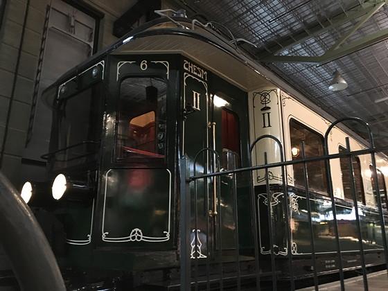 Allerhande Kerstfestival 2015 in Spoorwegmuseum houten banken trein