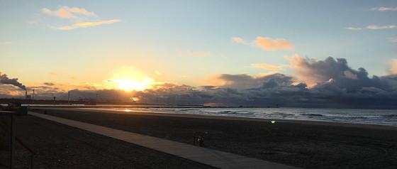 Ploggen 7 Maart 2016: Strandhuisjes van Landal Beachvilla's eerste zonsondergang