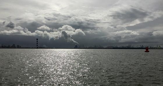 Ploggen 8 Maart 2016: Rondje Hoek van Holland en Bunkers in de duinen donkere luchten maasvlakte