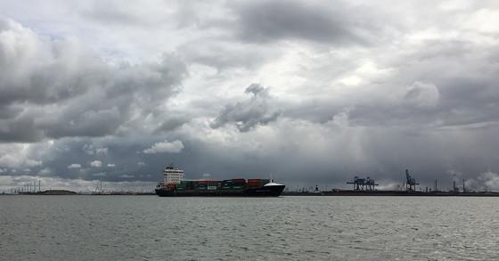Ploggen 8 Maart 2016: Rondje Hoek van Holland en Bunkers in de duinen pakjesboot
