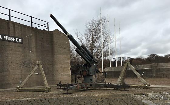 Ploggen 8 Maart 2016: Rondje Hoek van Holland en Bunkers in de duinen luchtafweer geschut