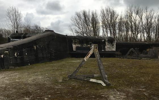 Ploggen 8 Maart 2016: Rondje Hoek van Holland en Bunkers in de duinen bunker