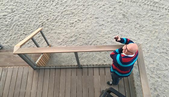 Ploggen 10 Maart 2016: Wandeling op de pier en op visite Michel op het balkon beneden