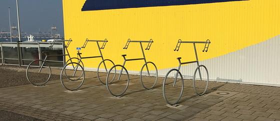 Ploggen 11 Maart 2016: Bezoek Futureland en Rondvaart Maasvlakte 2 fietsenrekken