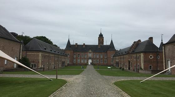 Shoppen in België en Bezoek Alden Biesen kasteel