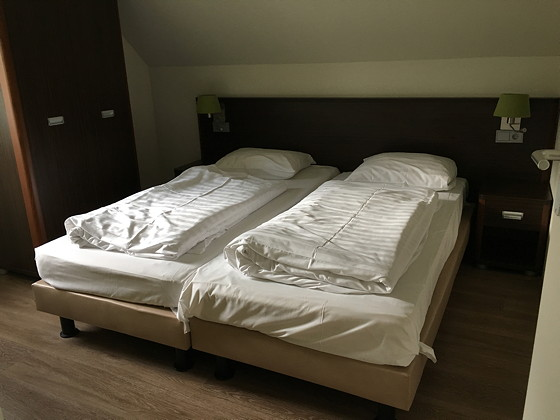 Ploggen 14 Oktober 2016: Op Vakantie naar de Eifel slaapkamer